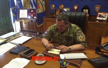 Ο Καμμένος με στολή παραλλαγής διέταξε έκτακτη στρατιωτική άσκηση