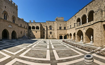 Τέσσερα σημεία στη Μεσαιωνική Πόλη της Ρόδου που πρέπει να επισκεφτείτε