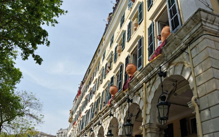 «Προμνημονιακές εποχές» θυμίζει ο τουρισμός στην Κέρκυρα