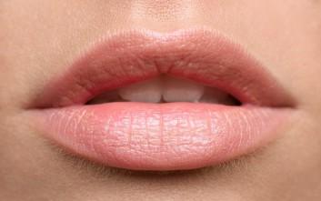 Φυσικό κραγιόν για απαλά χείλη