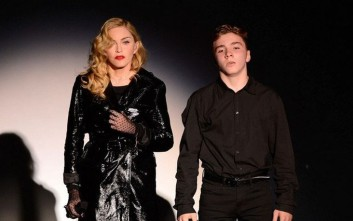 Με τον Γκάι Ρίτσι θα μένει ο έφηβος γιος της Μαντόνα