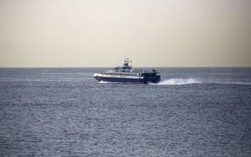 Ανασύρθηκαν οι δύο μετανάστες που έπεσαν από βάρκα στη Σάμο
