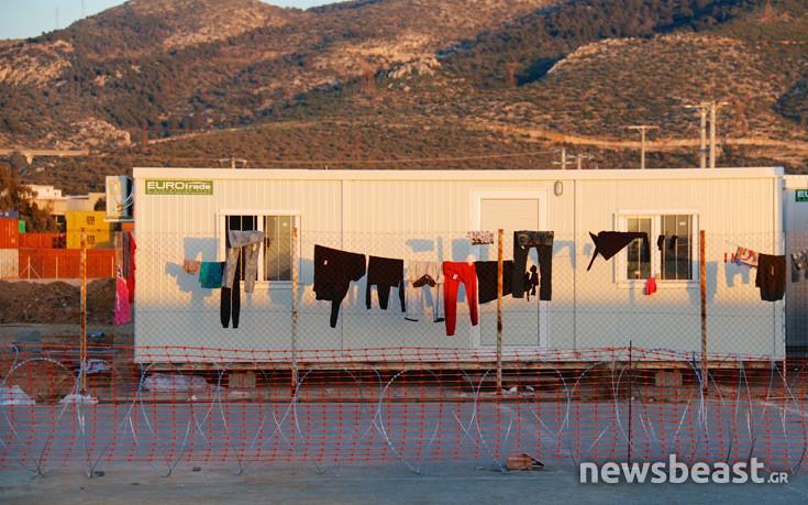 Η προσφυγική γειτονιά που στήνεται στον Σκαραμαγκά – Newsbeast 92d7de13ef6