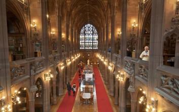Ο θησαυρός των βρετανικών βιβλιοθηκών που κάνει την ανάγνωση απόλαυση