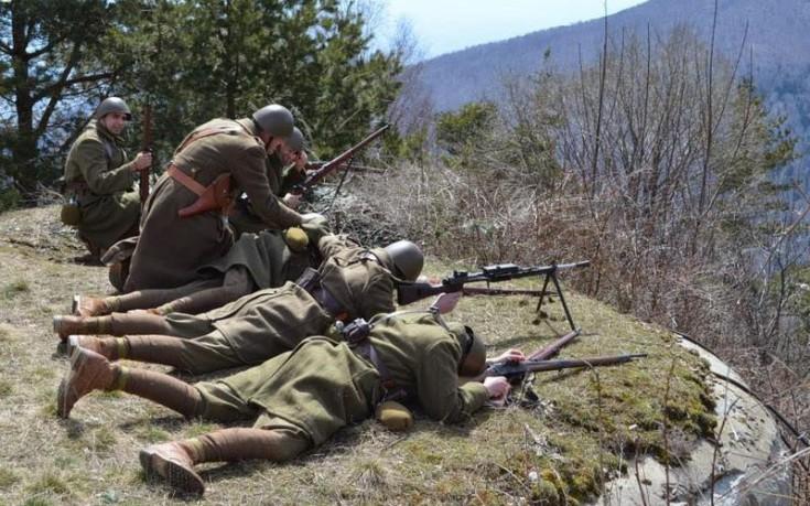 Εντυπωσιακή η αναπαράσταση της «Μάχης των Οχυρών» στο Ιστίμπεη
