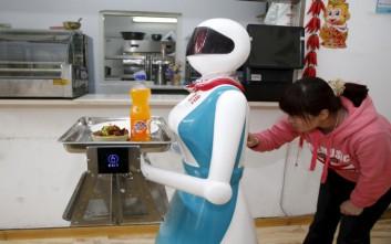 Έρχονται τα ρομπότ να πάρουν τις δουλειές των ανθρώπων