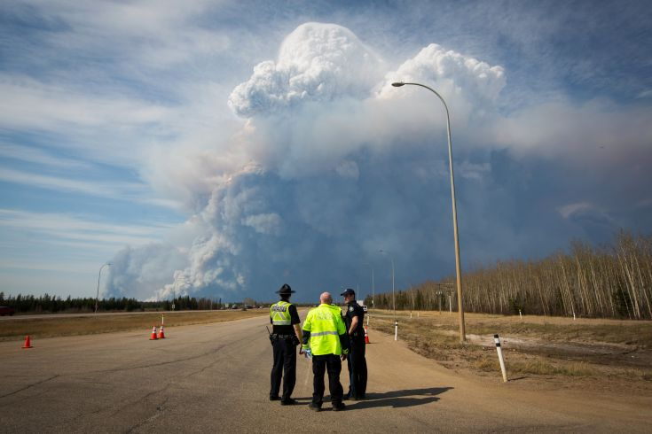 2016-05-05T001213Z_1027295996_S1BETCEUEFAA_RTRMADP_3_CANADA-WILDFIRE-FORTMCMURRAY