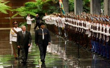 Με Φιντέλ και Ραούλ Κάστρο συναντήθηκε ο πρόεδρος της Βολιβίας