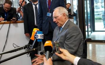 «Επιστήμη βουντού μεταξύ Σόιμπλε και ΔΝΤ για την Ελλάδα»
