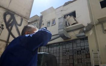 Στη ΜΕΘ ο ένας εργάτης που έπεσε από μπαλκόνι στην Κρήτη
