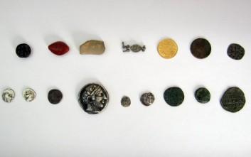 Αργυρό δεκάδραχμο του 4ου αιώνα π.Χ. στα χέρια αρχαιοκάπηλων