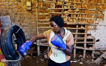 Οι γυναίκες μποξέρ των παραγκουπόλεων της Ουγκάντας