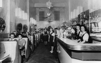 Τα ελληνικά καφέ και τα μιλκ μπαρ της Αυστραλίας