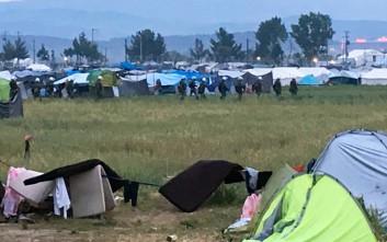 «Εξαφανίστηκαν» 4.000 μετανάστες από την Ειδομένη