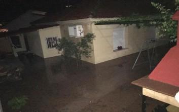 Πλημμύρες στα Φάρσαλα από την έντονη βροχόπτωση