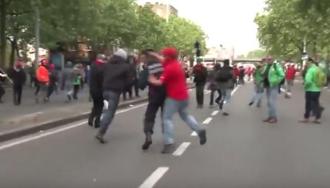 Διαδηλωτής στο Βέλγιο βγάζει «νοκ-άουτ» τον αστυνομικό διευθυντή των Βρυξελλών
