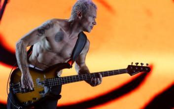 Η ροκ πέθανε, λέει ο μπασίστας των Red Hot Chili Peppers