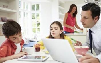 Συνήθειες των γονιών που δεν βοηθούν στην επιτυχία των παιδιών τους