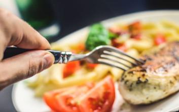 Πώς το βιολογικό μας ρολόι επηρεάζει την αυξομείωση του βάρους μας