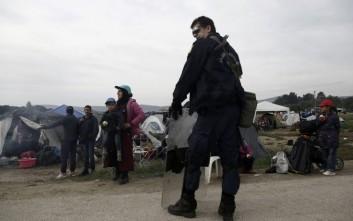 Ολοκληρώθηκε για σήμερα η αστυνομική επιχείρηση εκκένωσης της Ειδομένης