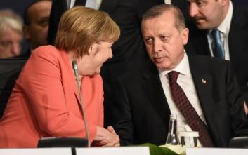 Κοινή θέση Ερντογάν - Μέρκελ για το προσφυγικό
