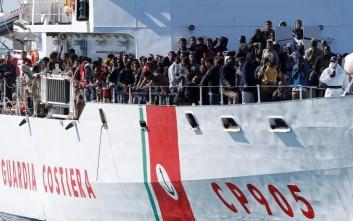 «Μέτωπο» Ιταλών δημάρχων κατά Σαλβίνι για το προσφυγικό