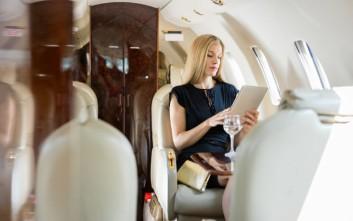 Πώς να αναβαθμίσετε την θέση σας στο αεροπλάνο