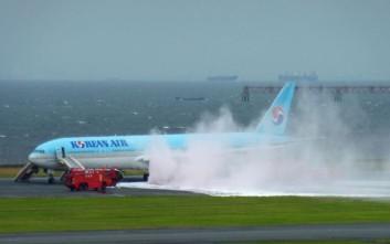 Εκκενώνεται αεροσκάφος στο Τόκιο λόγω καπνού στον κινητήρα