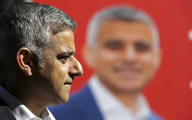 Θέση στο τραπέζι των διαπραγματεύσεων απαιτεί ο δήμαρχος του Λονδίνου
