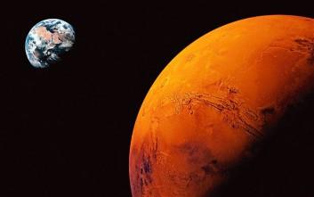 Έκκληση του Στίβεν Χόκινγκ στους ισχυρούς του κόσμου μας: «Φτιάξτε βάσεις στη Σελήνη και στον Άρη»
