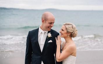 Η νύφη που κανόνισε το γάμο και τη μαστεκτομή της μέσα σε μία εβδομάδα