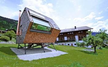 Μικροσκοπικά αλλά πολύ ιδιαίτερα σπίτια