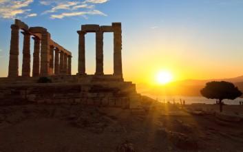 Τα ηλιοβασιλέματα στις όμορφες γωνιές της Ελλάδας