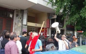 Ένταση και χημικά στα γραφεία του ΣΥΡΙΖΑ στη Θεσσαλονίκη