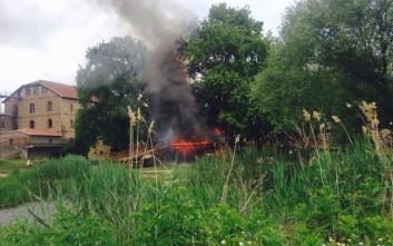 Κάηκε το σπιτάκι του Άη Βασίλη στο Μύλο των Ξωτικών