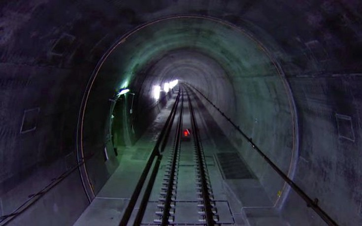 Ανοίγει το μεγαλύτερο σιδηροδρομικό τούνελ στον κόσμο