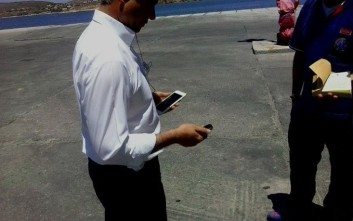 Ο δήμαρχος Πάρου πήρε το κλειδί του ασθενοφόρου για να το εμποδίσει να φύγει από το νησί