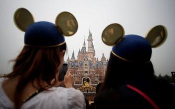 Άνοιξε επίσημα στη Σανγκάη το πρώτο πάρκο της Disney