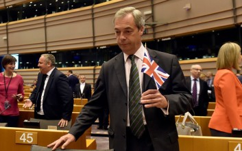 Η πρόταση του Νάιτζελ Φάρατζ στον Μπόρις Τζόνσον για ένα ριζικό Brexit