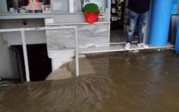 Μεγάλες πλημμύρες στην κεντρική πλατεία της Τρίπολης
