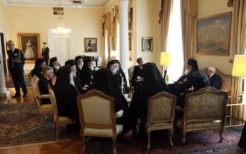 Έντονη αντίδραση της Ιεράς Συνόδου για τις λειτουργίες στη «μακεδονική» γλώσσα