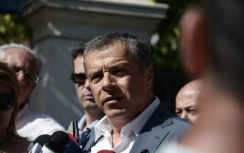 Θεοδωράκης: Και τα σκίτσα ενοχλούν τον μεγάλο μας ηγέτη