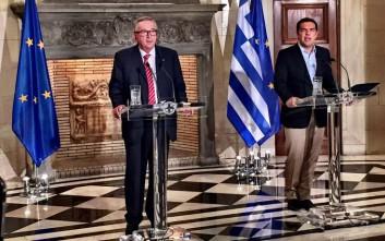 Γιούνκερ: Ανόητη η περσινή επιθυμία κάποιων για Grexit
