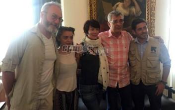 Πρωταγωνιστές του «Game of Thrones» στο πλευρό των προσφύγων στη Μυτιλήνη