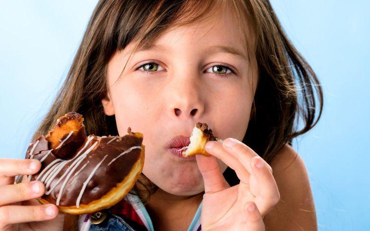 Πώς μπορεί να επηρεάσει τα παιδιά η υπερβολική κατανάλωση ζάχαρης
