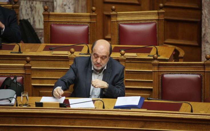 Αλεξιάδης: Δεν εξετάζουμε αύξηση του ορίου απαλλαγής από τον ΦΠΑ