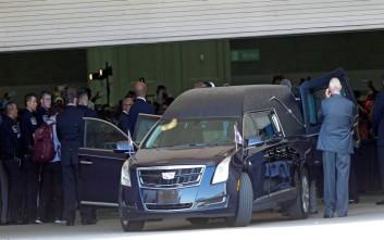 Χιλιάδες άνθρωποι αποχαιρέτησαν τον Μοχάμεντ Άλι