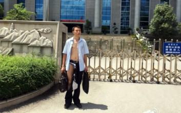 Αστυνομικοί έσκισαν τα ρούχα δικηγόρου μέσα στο δικαστήριο