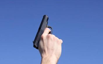 Συναγερμός στη Λευκωσία: Άντρας με όπλο σε μπαλκόνι πολυκατοικίας