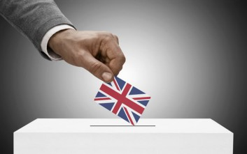 Παρατείνεται η προθεσμία για την εγγραφή για το δημοψήφισμα στη Βρετανία